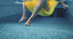 cloradores salinos, materiales piscinas