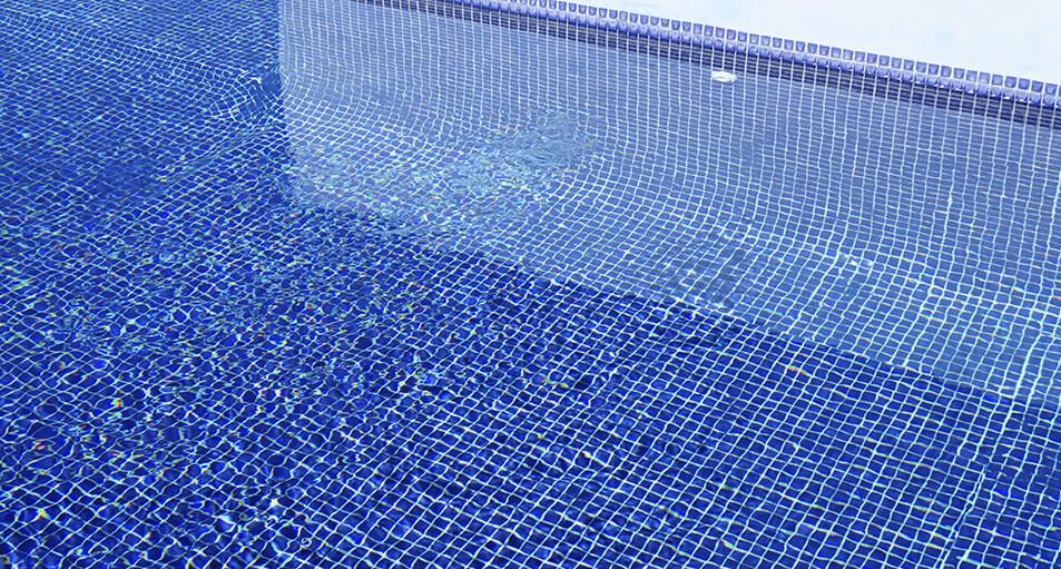 La mejor forma de controlar el buen estado del agua de tu piscina
