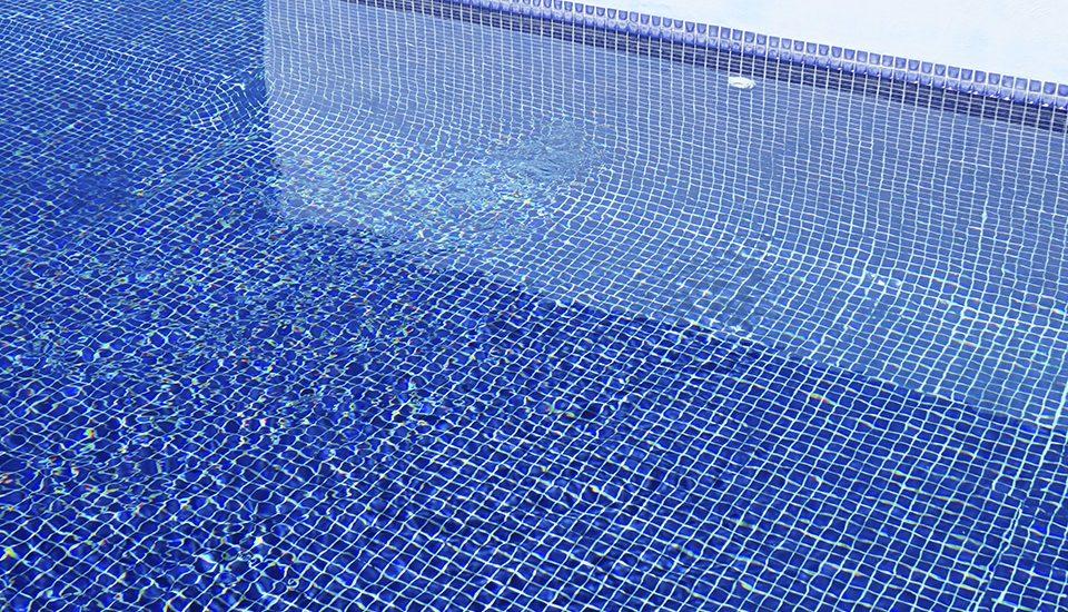 La mejor forma de controlar y dosificar tu piscina