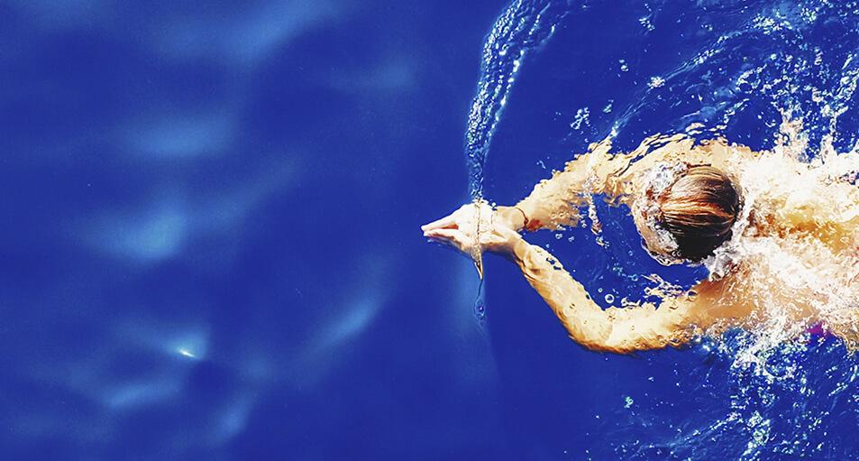 ¿Cómo medir la concentración de sal en tu piscina?