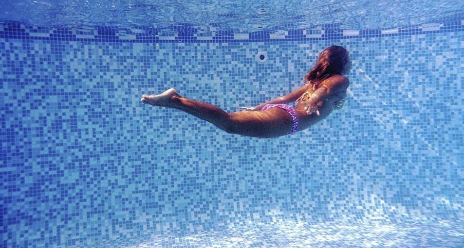 Los mejores materiales para revestir tu piscina de cloración salina