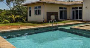 Cómo tratar piscinas en terrazas pequeñas con cloradores salinos