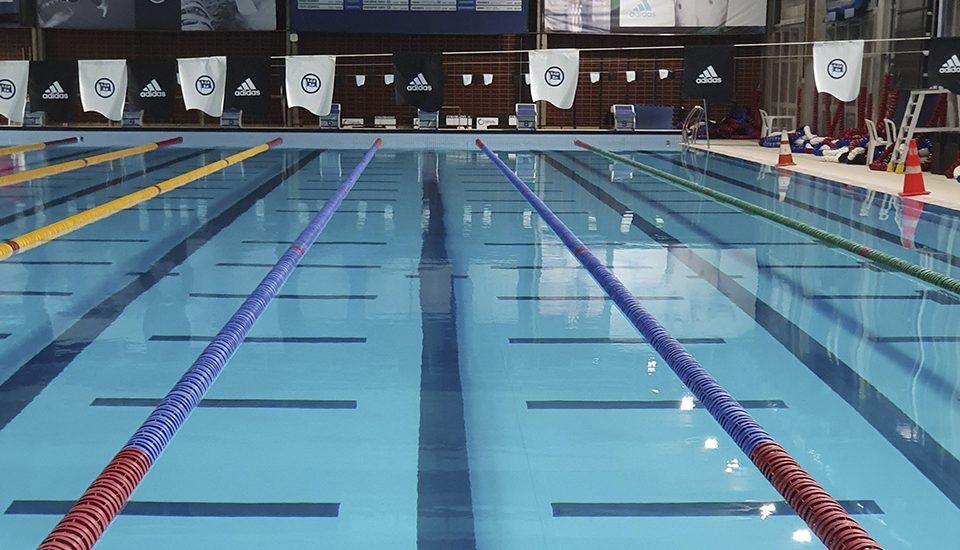 4 consejos para el mantenimiento de piscinas climatizadas