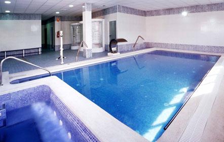 piscina-residencia-mayores
