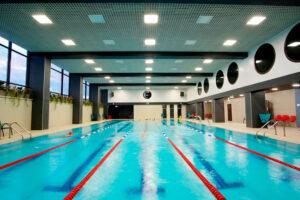 Ahorro de agua en la piscina de un polideportivo