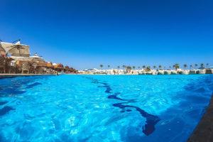 Agua de piscina sin químicos